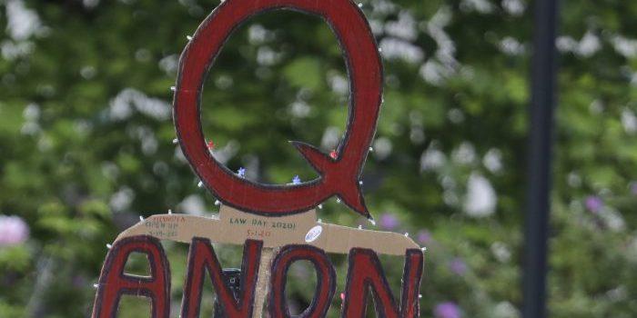 Twitter Blocks 70,000 QAnon Accounts After US Capitol Siege - Headline USA