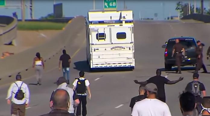 horse trailer Interstate 244