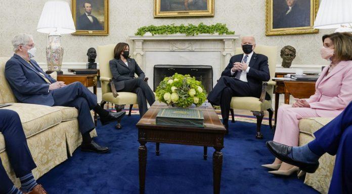 Biden Oval Office meetingg